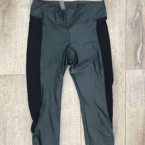 Koral leggings. Small. Grey & black. Small